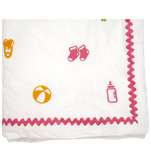 Cocobee White Toys With Pink Border Print Baby Quilt In White Colour